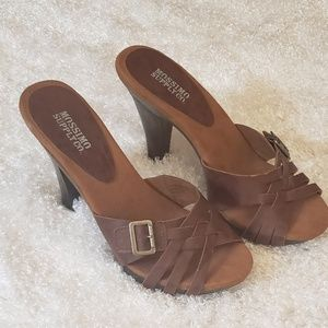 Shoes - ⭐NWOB⭐ Sandals Brown